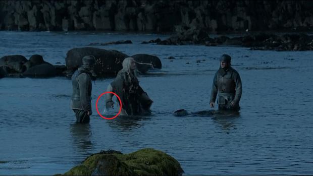 Фото №9 - Самые идиотские киноляпы в шестом сезоне «Игры престолов»