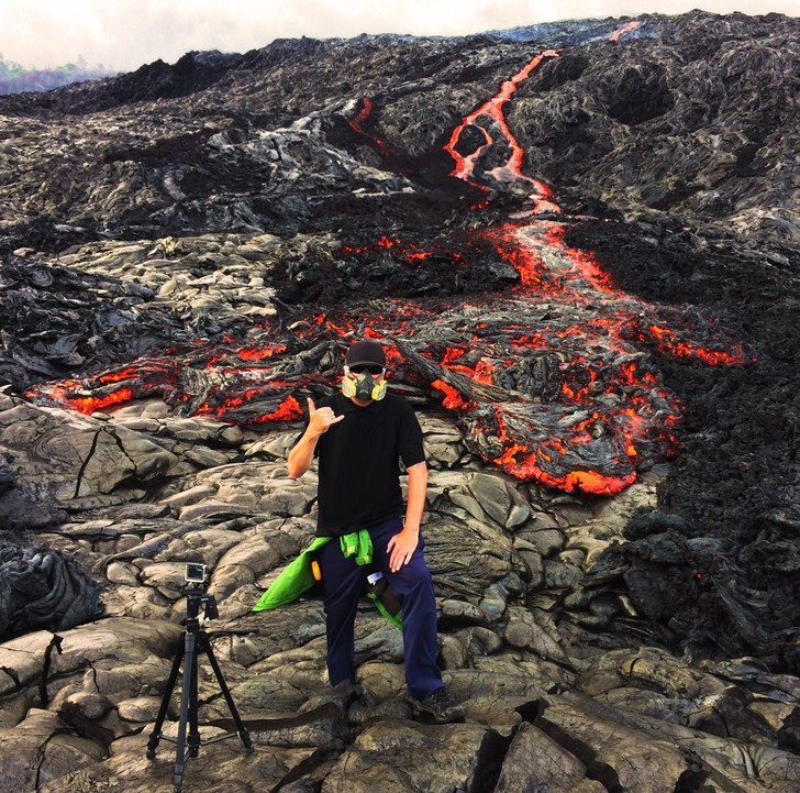 Фото №1 - Вот что будет, если забросить камеру GoPro в кипящую лаву (изумительное ВИДЕО)