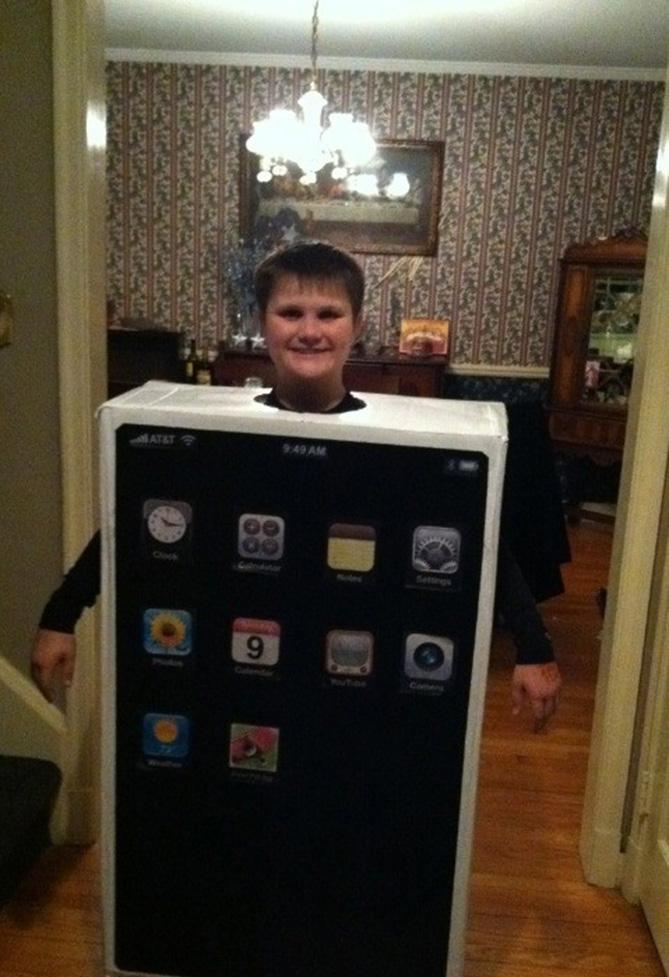 Фото №5 - Самые нелепые примеры косплея iPhone в истории!