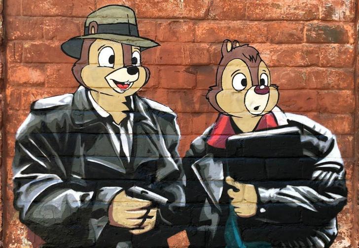 Фото №1 - В Нижнем Новгороде появилось граффити по мотивам фильма «Жмурки» и мультика «Чип и Дейл» (фото)