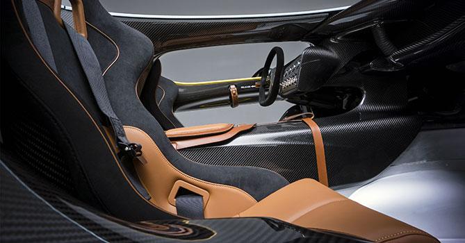 Фото №2 - Aston Martin CC100 Speedster: перфекционистский автомобиль без крыши, стекол и дворников