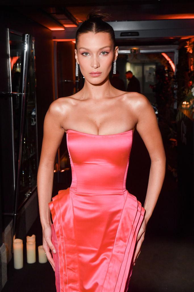 Фото №2 - Беллу Хадид назвали «Мэрилин Монро миллениалов» после выхода в розовом платье