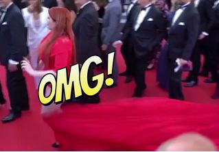 Русская модель потеряла юбку прямо на красной дорожке Каннского фестиваля!