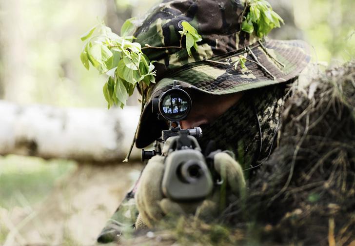 Фото №1 - Как ходят в туалет снайперы, как долго сидят в засаде и другие откровения. От первого лица