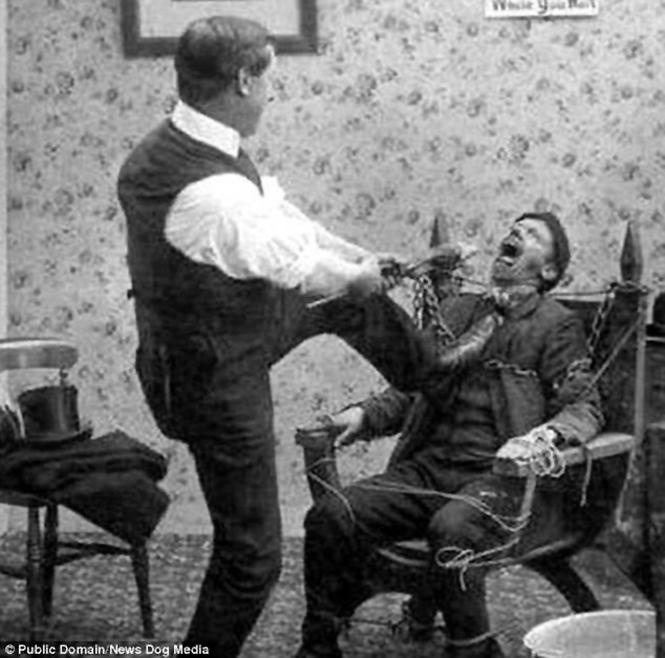 Фото №2 - Ужасы викторианской стоматологии: 13 фотографий без анестезии