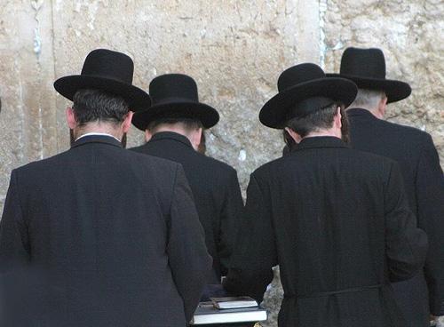 Фото №3 - C пейсом по жизни: таки как и чем живут евреи-хасиды
