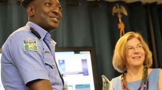 В Нигерии наградили полицейского, который не брал взяток