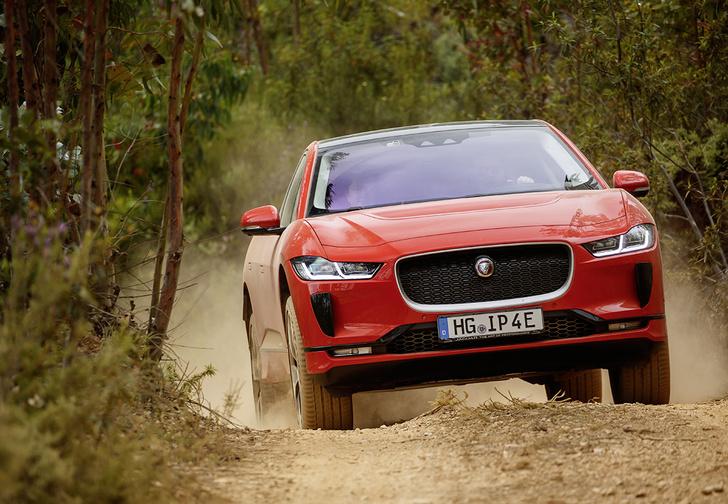 Фото №1 - Jaguar I-Pace: Илон Маск, сдавайся!