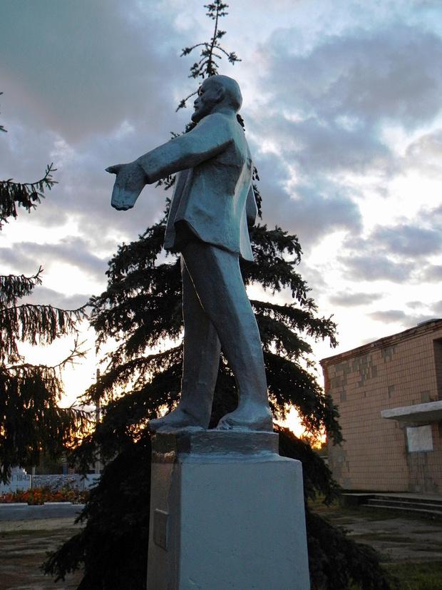Фото №15 - Самые дурацкие памятники Ленину