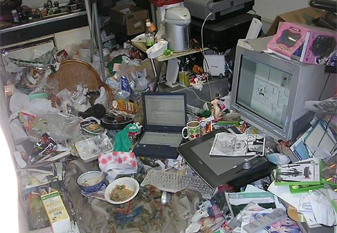 Фото №1 - 18 невероятно запущенных квартир компьютерных гиков (фото)