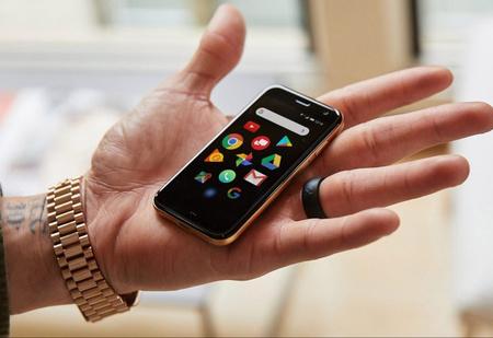 Компания Palm воскресла и выпустила миниатюрный смартфон