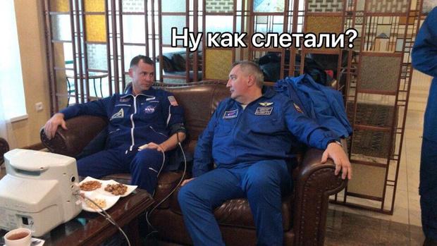 Фото №1 - Лучшие шутки и честные мнения о крушении «Союза МС-10» с космонавтами на борту