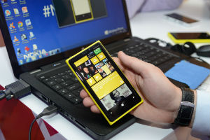 Windows + Nokia = смартфоны Lumia