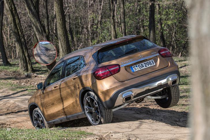 Фото №8 - Лезем на Mercedes GLA туда, куда нельзя