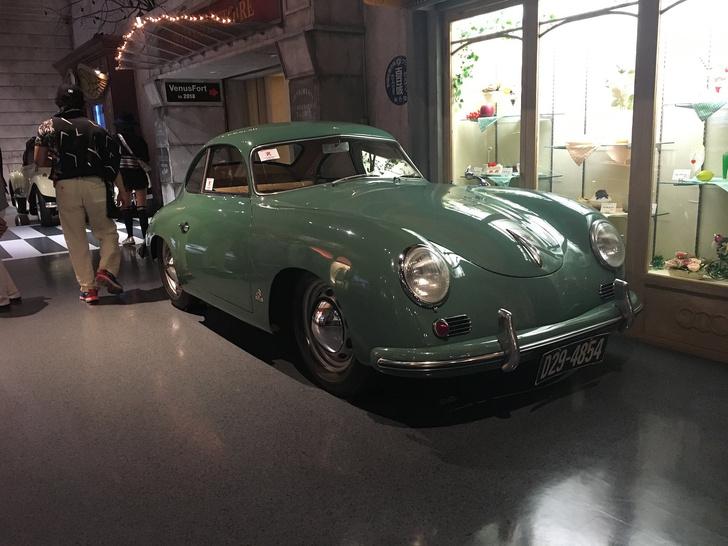 Фото №1 - Музей ретро-автомобилей Toyota в Токио (ностальгическое ВИДЕО)