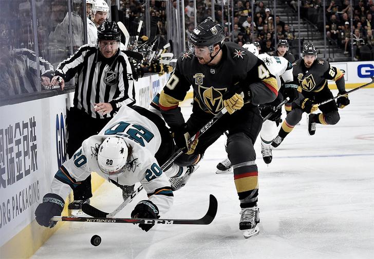 Фото №1 - «Что творят эти черти?!» Самая необычная хоккейная команда в мире