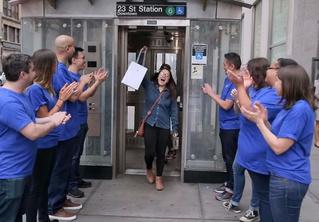 Желающие первыми купить iPhone X стали жертвами жестокого розыгрыша (чудовищное ВИДЕО)