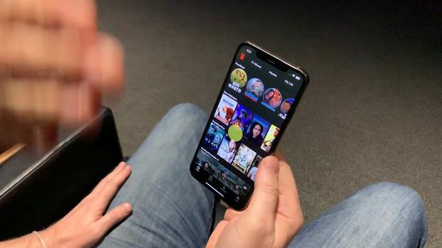 Фото №1 - Netflix предлагает управлять приложением для iOS при помощи глаз и языка