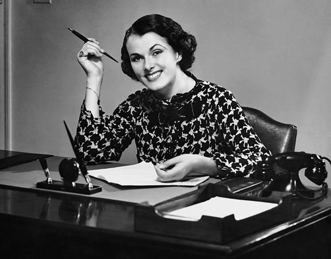 Фото №1 - Пройди короткий тест на знание женщин-писательниц и выиграй щедрый приз!