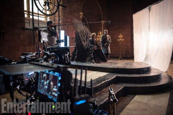 Фото №4 - Интригующие фотографии со съемок нового сезона «Игры престолов»