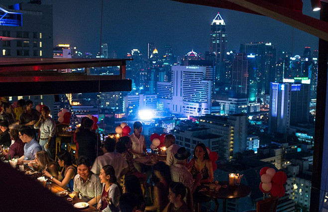 Бар Above Eleven, Бангкок