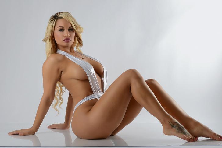 Фото №5 - Ева Грин, ангелы Victoria's Secret в бикини и другие самые сексуальные девушки этой недели