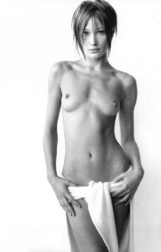 Фото №8 - Девушка дня: Карла Бруни