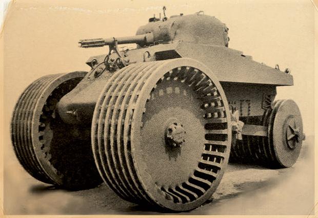 Фото №4 - Бесславные ублюдки: самые уродливые танки, созданные за всю историю вооружений