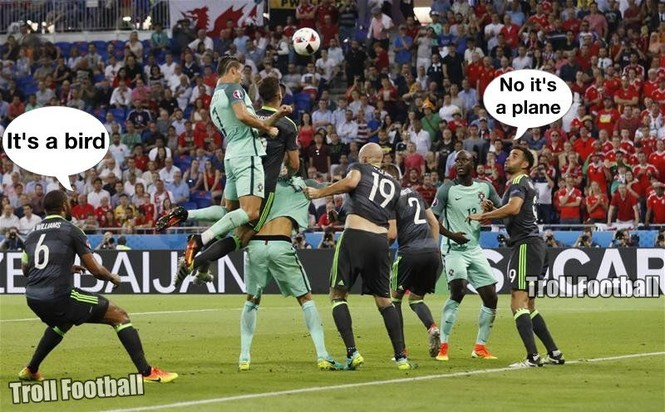 Как Роналду забил победный гол Уэльсу