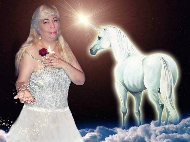 Фото №12 - Богиня Фотошопа: женщина поразила пользователей Facebook  своими фотографиями