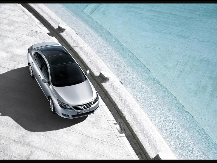 Фото №4 - Мировая премьера Renault Latitude