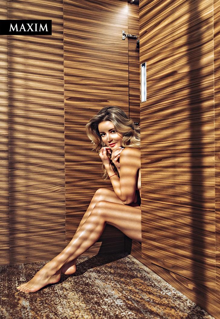 Фото №5 - Окна Анны: новейшая фотосессия актрисы Анны Михайловской в MAXIM