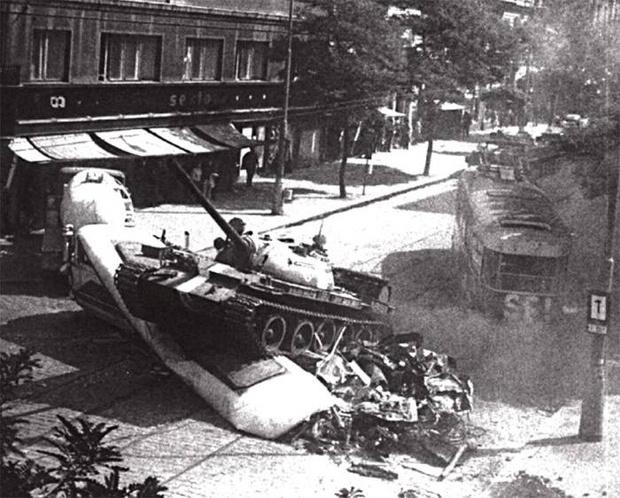 Фото №2 - Серп и молот на Таймс-сквер и еще 4 неожиданных фото времен СССР