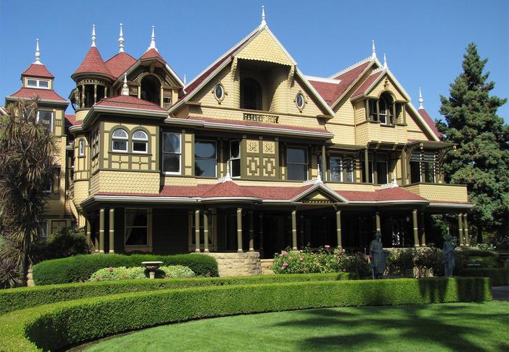 Фото №1 - Дом, который построили призраки: история дома вдовы Винчестер
