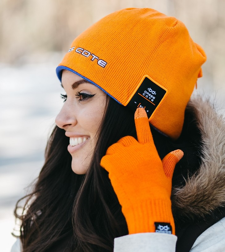 Фото №2 - От дальномера до шапки с Bluetooth: гид по подаркам на 23 февраля и 8 марта!