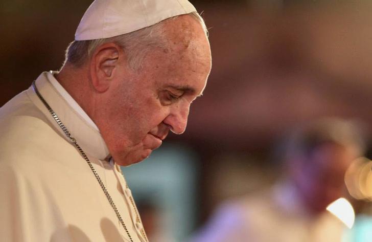 Фото №1 - Папа римский признал: он иногда спит во время молитв