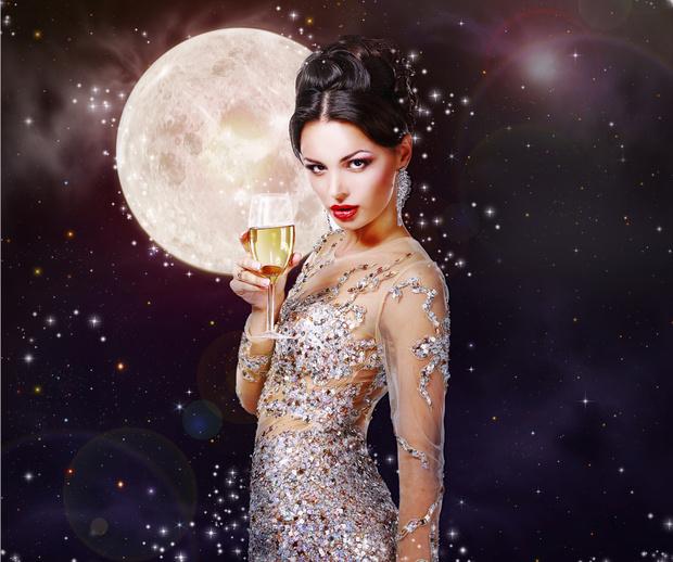 Фото №1 - Как завоевать девушку с помощью астрологии