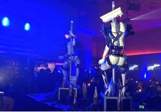 Роботы-стриптизерши танцуют у шеста! (футуристическое ВИДЕО)
