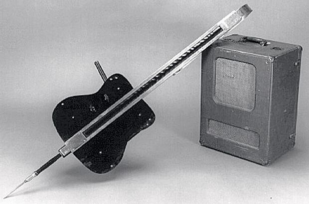 Грифовый электронный инструмент Термена (Fingerboard Theremin)
