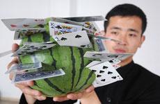Метатель игральных карт