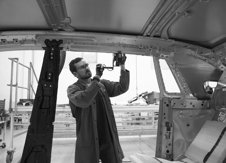 Фото №17 - Из ворот завода в Гудвуде выехал последний Rolls-Royce Phantom VII