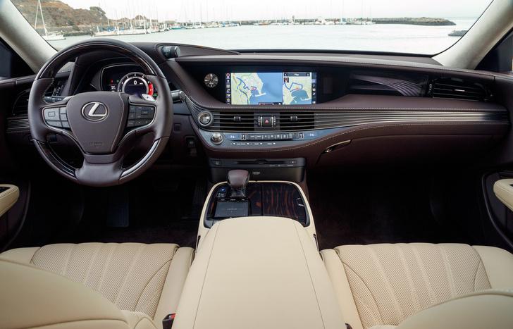Фото №5 - Lexus LS — автомобиль, в котором сначала электрификация, а потом уже революция