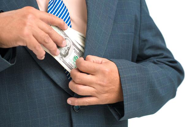 Фото №1 - 13 фактов о коррупции