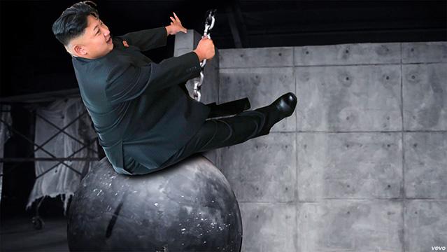 Фото №7 - Человек-мем: новое фото Ким Чен Ына стало поводом для шуток в интернете
