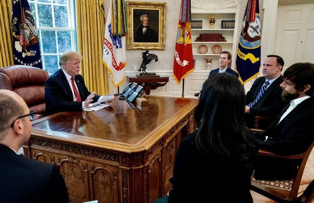 Фото №1 - Трамп вызвал создателя Twitter в Белый дом и пожаловался, что у него мало подписчиков