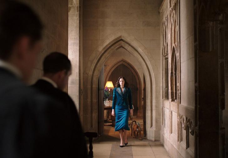 Фото №1 - Уже скучаешь по «Игре престолов»? Тогда смотри трейлер нового сериала HBO «Темные начала»