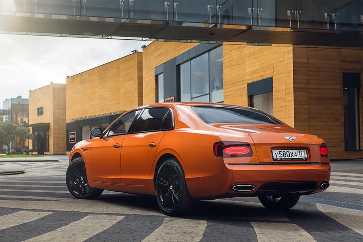 Фото №21 - Cамый быстрый четырехдверный Bentley в истории — Flying Spur W12 S