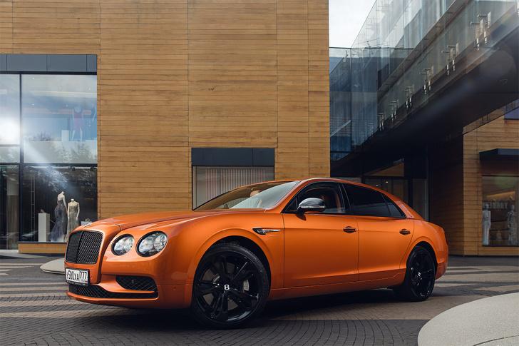 Фото №2 - Cамый быстрый четырехдверный Bentley в истории — Flying Spur W12 S