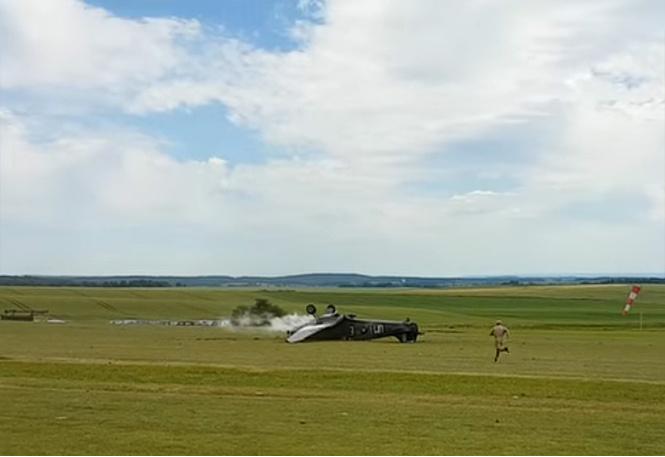 Жуткая авиакатастрофа, которая закончилась хорошо. Видео!