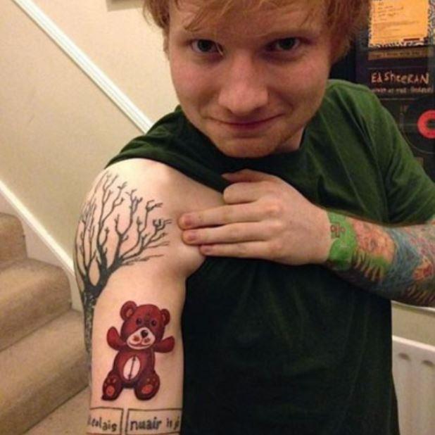 Фото №14 - Неудачные татуировки звезд